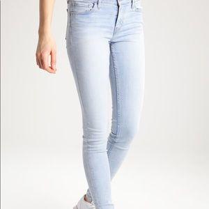 NWOT Anthropologie Pilcro Stet Light Skinny Jeans